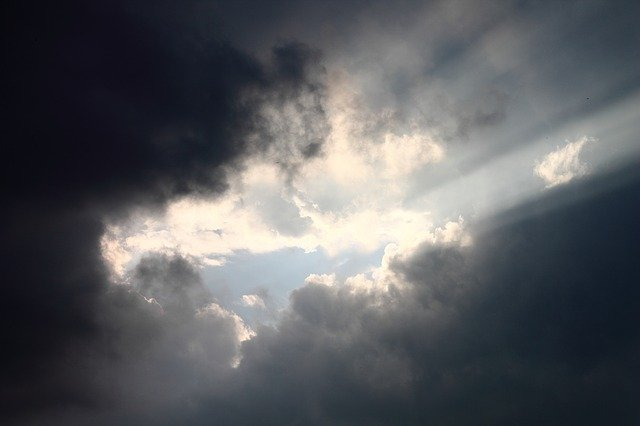 雲間から日差し